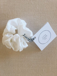 little fisher co - linen scrunchies - white