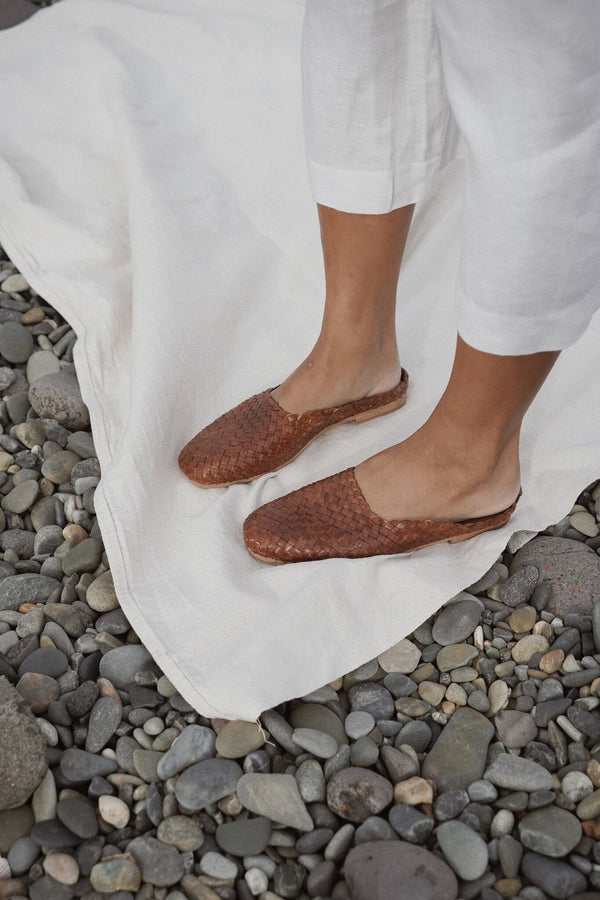 agnese woven flat - antique tan