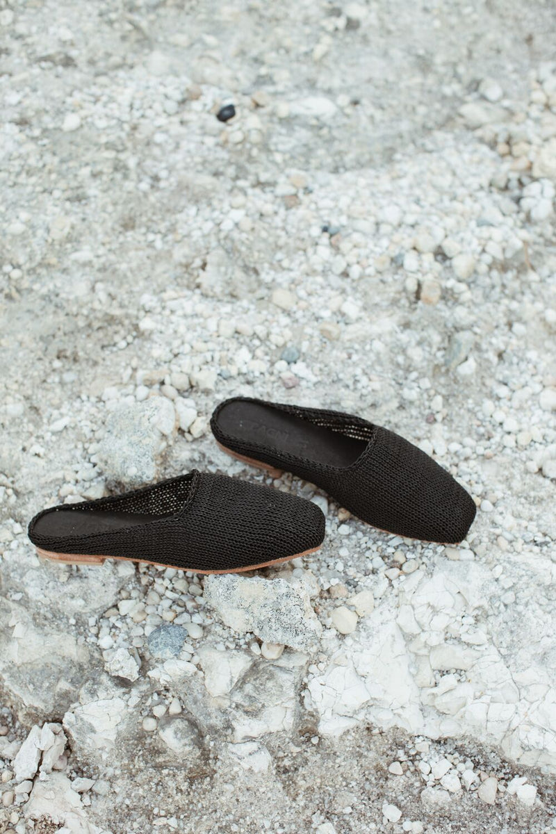 mae loafer - black knit
