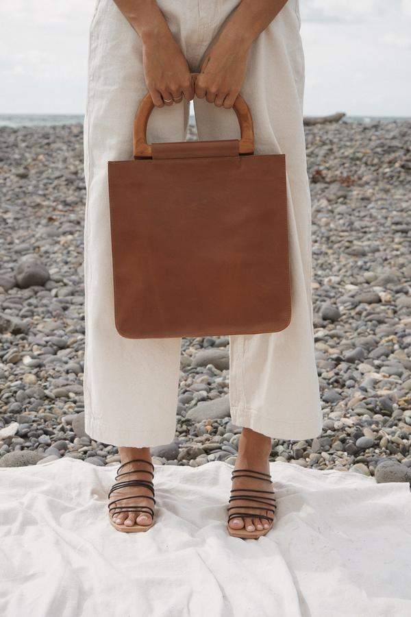 SHOP - St Agni - agnes grande bag - vintage tan