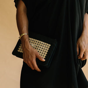 st agni - hennie rattan clutch - black