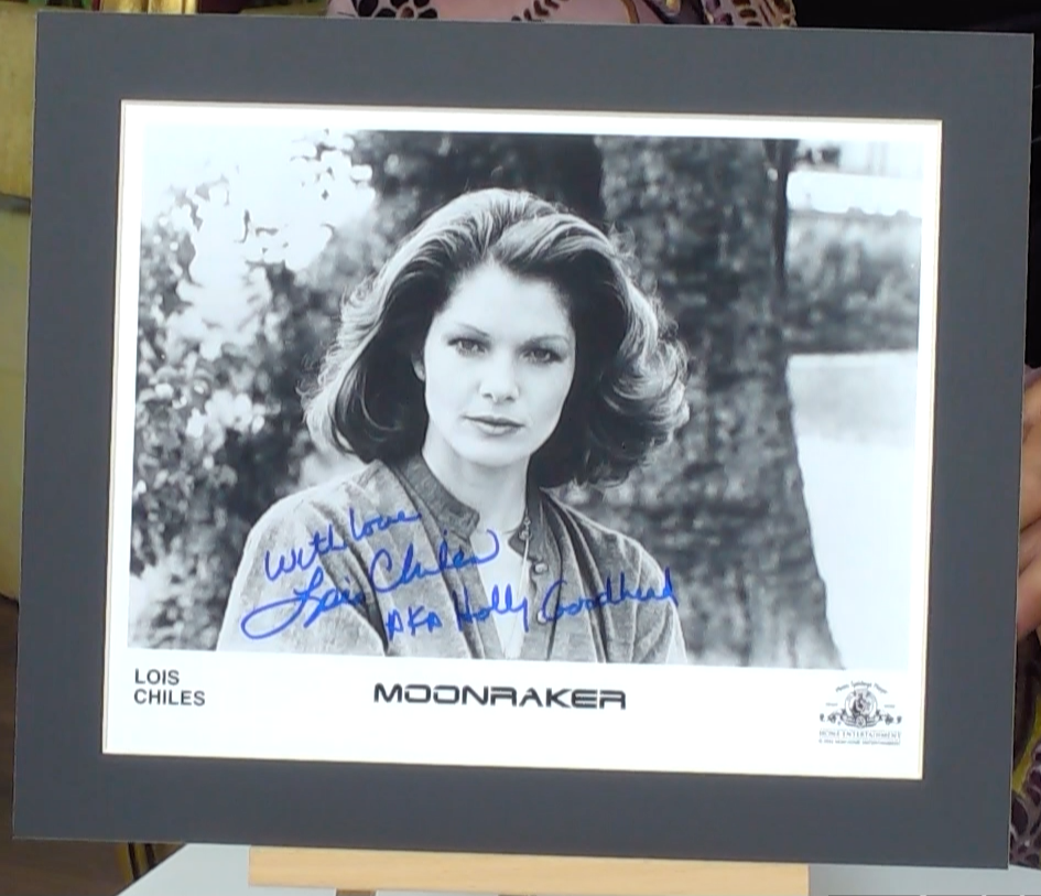 200219 - Lois Chiles in Moonraker Photo Personally Signed - Treasure TV