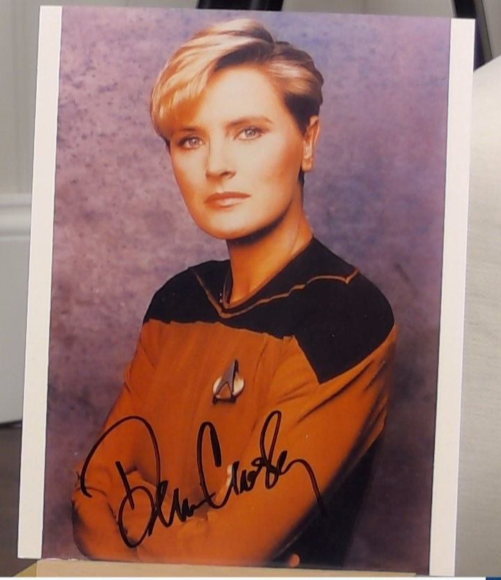 200352 - Denise Crosby as Security Chief Tasha Tar in S.Trek Voyager Photo Personally Signed - Treasure TV