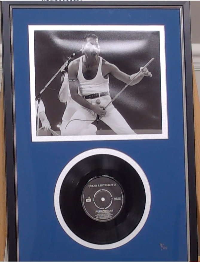200290 - Freddie Mercury Framed& Mounted Photo & Original Queen Vinyl Single Record  Ltd Edition - Treasure TV