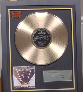 200298 - Rod Stewart- Every Pictute Tells a Story Framed Gold Disc Ltd Edition of 250 only - Treasure TV