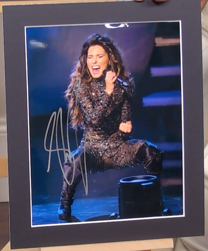 200308 - Shania Twain Mounted Colour Photo Personally Signed - Treasure TV