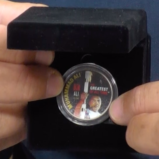 200160 - Muhammad Ali - Greatest of All Time Collectors Colorised Original Silver Coin in Display Box - Treasure TV