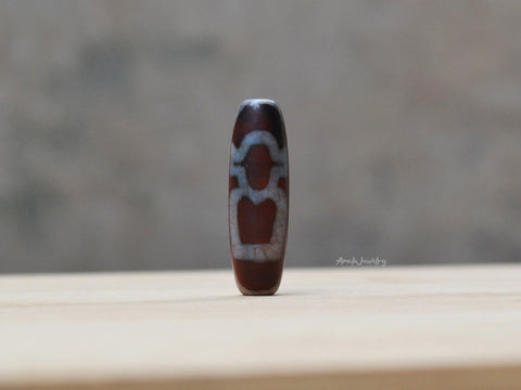 two people shape dzi bead