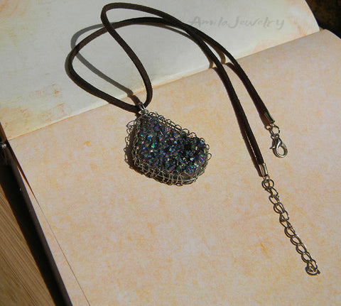 wire wrapped druzy agate pendant necklace