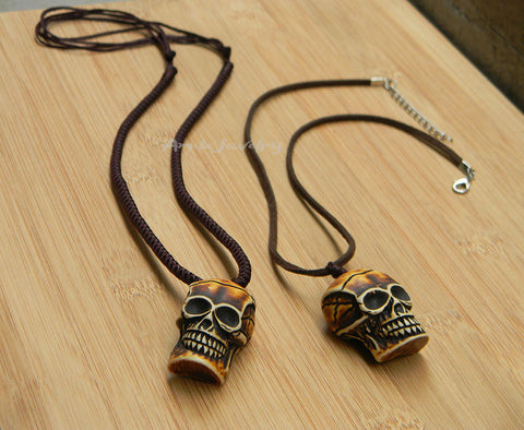 big skull Halloween necklace