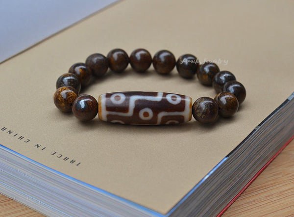 9 eyes Dzi agate beaded bracelet