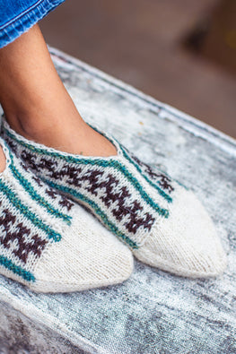 Gaddi wool Naturally Dyed Handknit Cream slippers by Aana Jaana