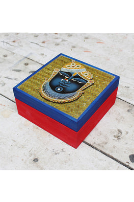 "Trovecraft 6"" Handwoven Red Cane Box with Srinathji Cutout"