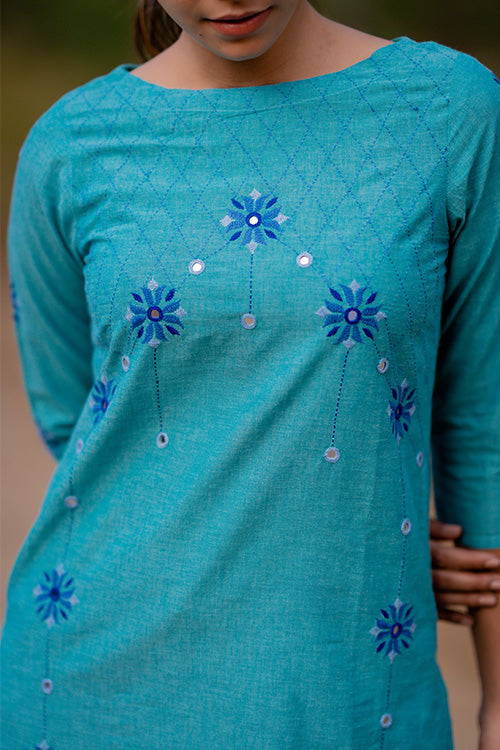 Okhai 'Sky' Embroidered Cotton Kurta