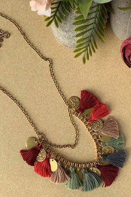 Dhaaga Handcrafts - Maroon beige Tassel coin box necklace