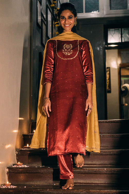 Urmul Aasma Hand Embroidered Avocado Mashru Silk Kurta Set For Women Online