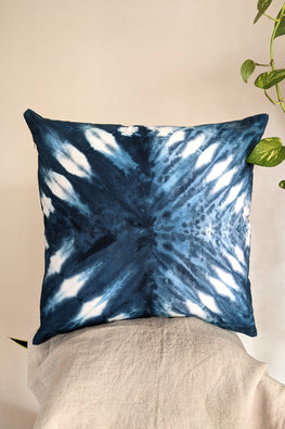 Okhai 'Infinity' Pure Cotton Tie-Dye Cushion Cover ( 45.7 cms x 45.7 cms)