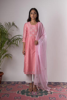 Urmul 'Carnation'Hand Embroidered carnation chanderi kurta . 2pc set (kurta and dupatta)