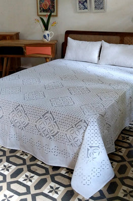 Okhai Shiro Applique Work Pure Cotton Bed Cover Set Online