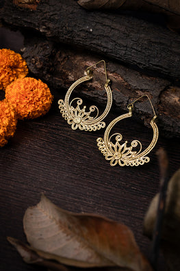 Miharu Dokra Flower Bali Earrings For Women Online