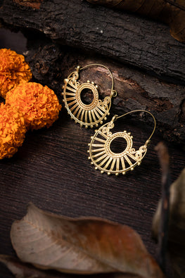 Miharu Dokra Geometric Bali Earrings For Women Online