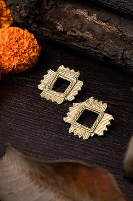 Miharu Miharu Dokra Rhombus Stud Earrings