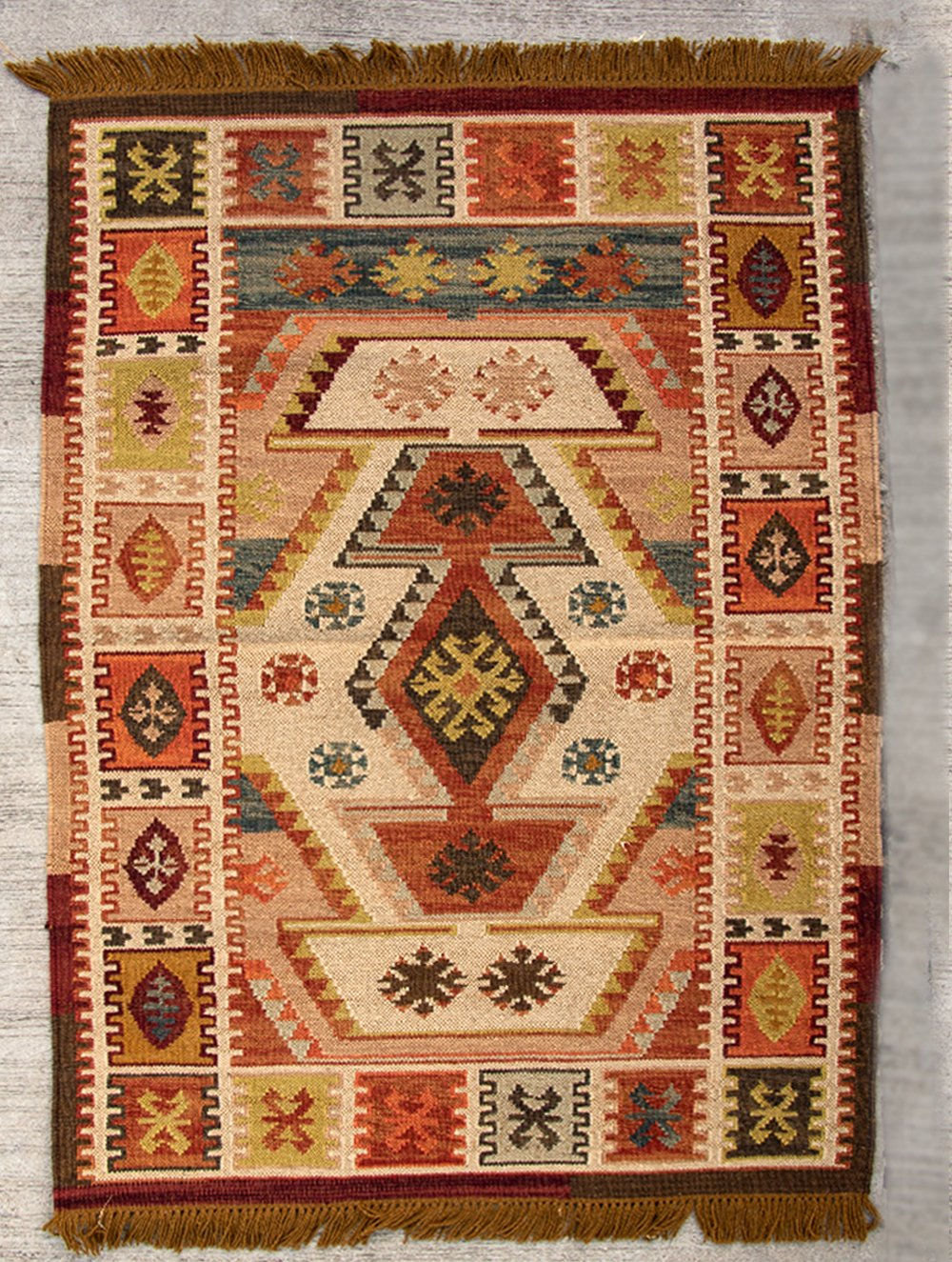 Exclusive Handwoven Kilim Rug (8 x 5 ft) - The India Craft House