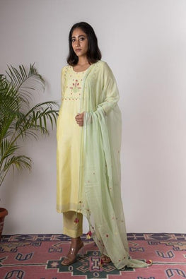 Urmul 'Daisy Hand Embroidered pastel yellow chanderi kurta . 2pc set (kurta and dupatta)