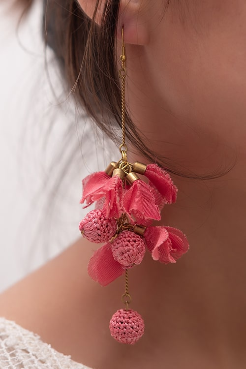 Samoolam Swing Earrings ~ Pink Drops