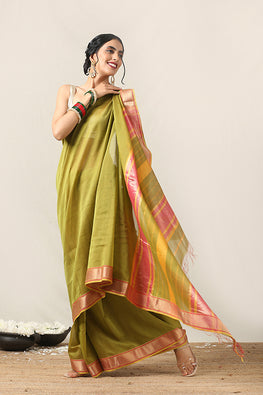 Handweave Maheshwari Handloom Silk Cotton Saree Col- Green with Pink Border , Blouse Colour Rani.