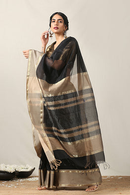 Handweave Maheshwari Handloom Silk Cotton Saree Col-Black & Beige , Blouse Colour- Beige.