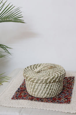 Sustainable Handmade Sabai Grass Box with lid