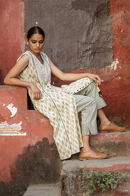 Sadhna 'Nirali' Beige V neck long cotton kurta