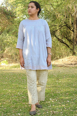 Sadhna 'Loomar' Grey short plain full slv cotton kurta