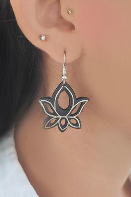 Whebyabira Pure Silver Inlay Bidri Lotus Dangler Earring