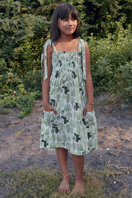 Okhai Girl Hand Block Printed Pure Cotton Kids Sleeveless Dress Online