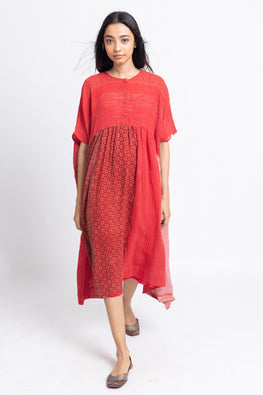 LVLILA-153 Lotus veda Rang Red cotton yarn dyed gathered kaftan
