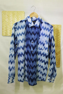 Mura Shibori Handcrafted Men's White and Indigo Full sleeved shirt in w Zig zag shibori pattern.