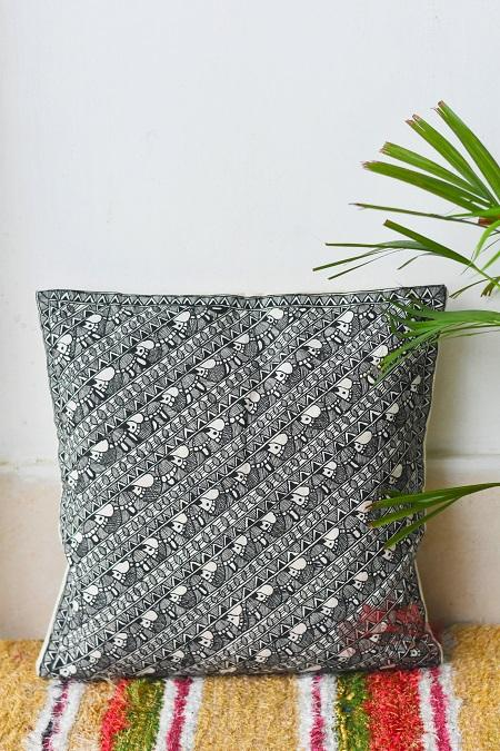 Madhubani Painting Black Fish Design Cushion-18