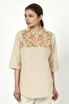 Rangsutra 'Noorbagh' beige top with stand collar