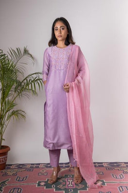 Urmul 'Orchid 'Hand Embroidered lilac chanderi kurta . 2pc set (kurta and dupatta)