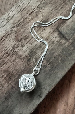 Silver Linings Beads Handmade Silver Filigree Chain With Pendant Online