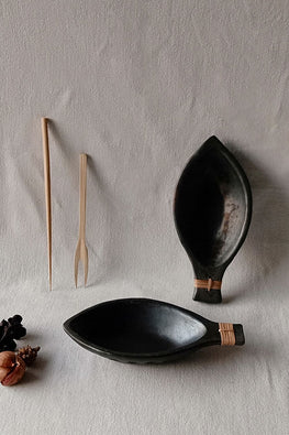 Terracotta by Sachii Longpi Black Pottery Boat-shaped Serving Bowl