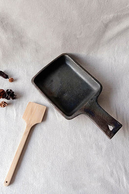 Terracotta by Sachii Longpi Black Pottery Skillet Square