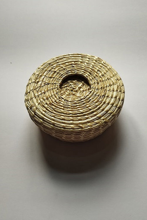 Handcrafted Sikki Grass Coaster Set Col-Red& White