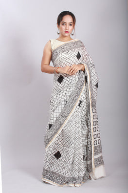 Chuna Patri Handblock Print Chanderi Silk Saree in a contrast blend of Black & White-43