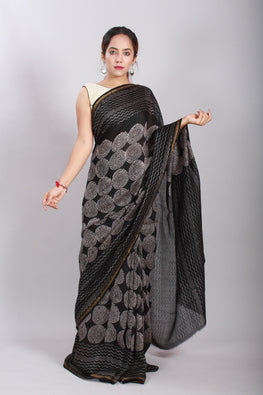 Chuna Patri Handblock Print Chanderi Silk Saree in a contrast blend of Black & White-51