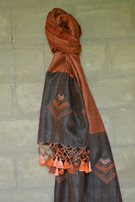 "Porgai ""Flame"" Lambadi Hand Embroidered Handwoven Silk Stole"
