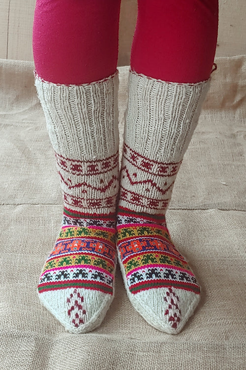 The Color Carvan Moravian Unisex Socks 01 Handmade Woolen Socks For Women Online