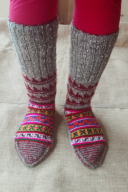 The Color Carvan Moravian Unisex Socks 02 Handmade Woolen Socks For Women Online